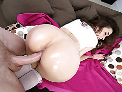 Hefty ass marvelous doll Scarlette Sawyer has her cock-squeezing bald slit annihilated by an oversized weenie