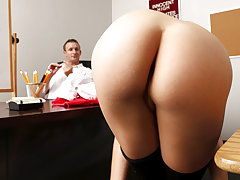 Scorching arse blonde hottie Bailey Blue gets torn up by a big schlong of her school coach on the table